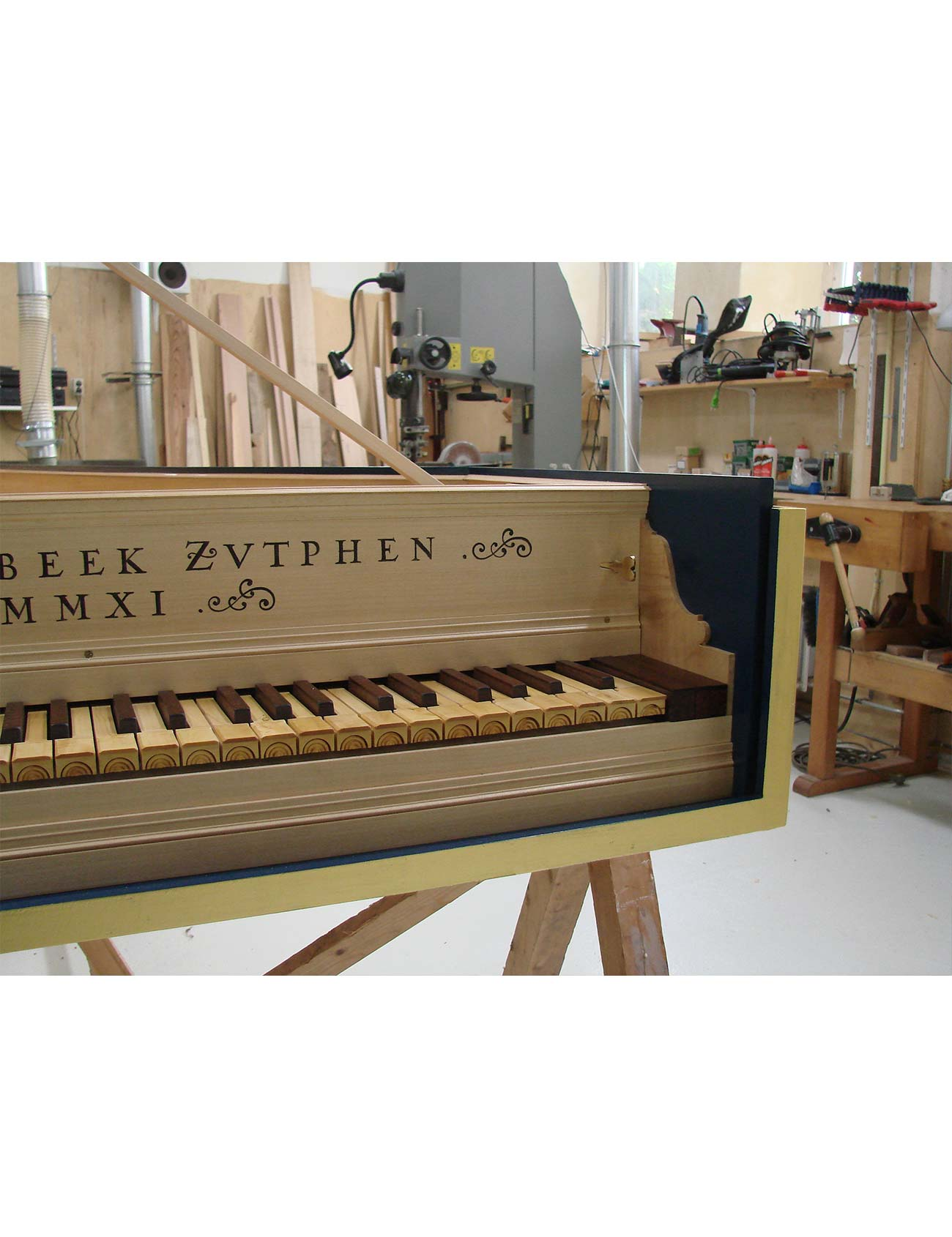 detail italian harpichord